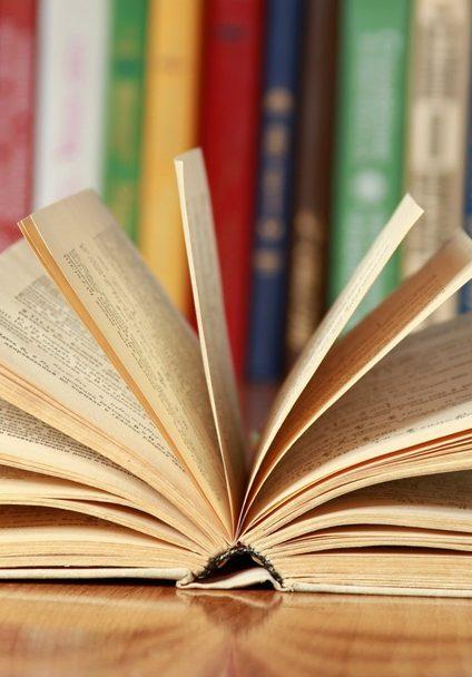 Publications des membres de l'AFEE